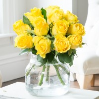 Simply 12 Yellow Roses