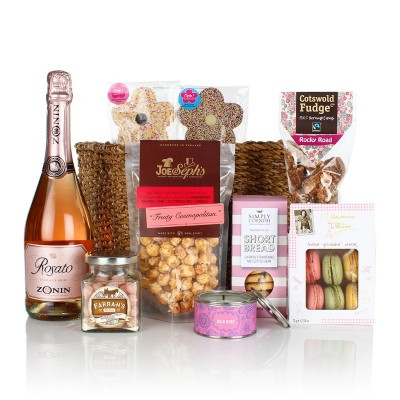 Valentine S Hampers For Her Blossoming Gifts
